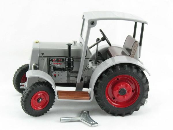 Traktor Schlüter DS 25 mit Dach, grau, Kovap-Neuheit 2019 – Blechspielzeug