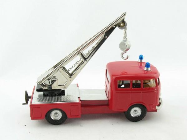 Mercedes MB335 LKW Feuerwehr Kranwagen von KOVAP - Blechspielzeug
