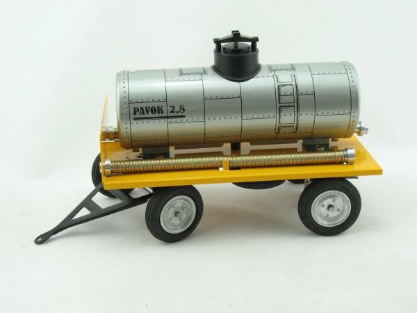 Traktor Anhänger mit Wasserfass von KOVAP - Blechspielzeug