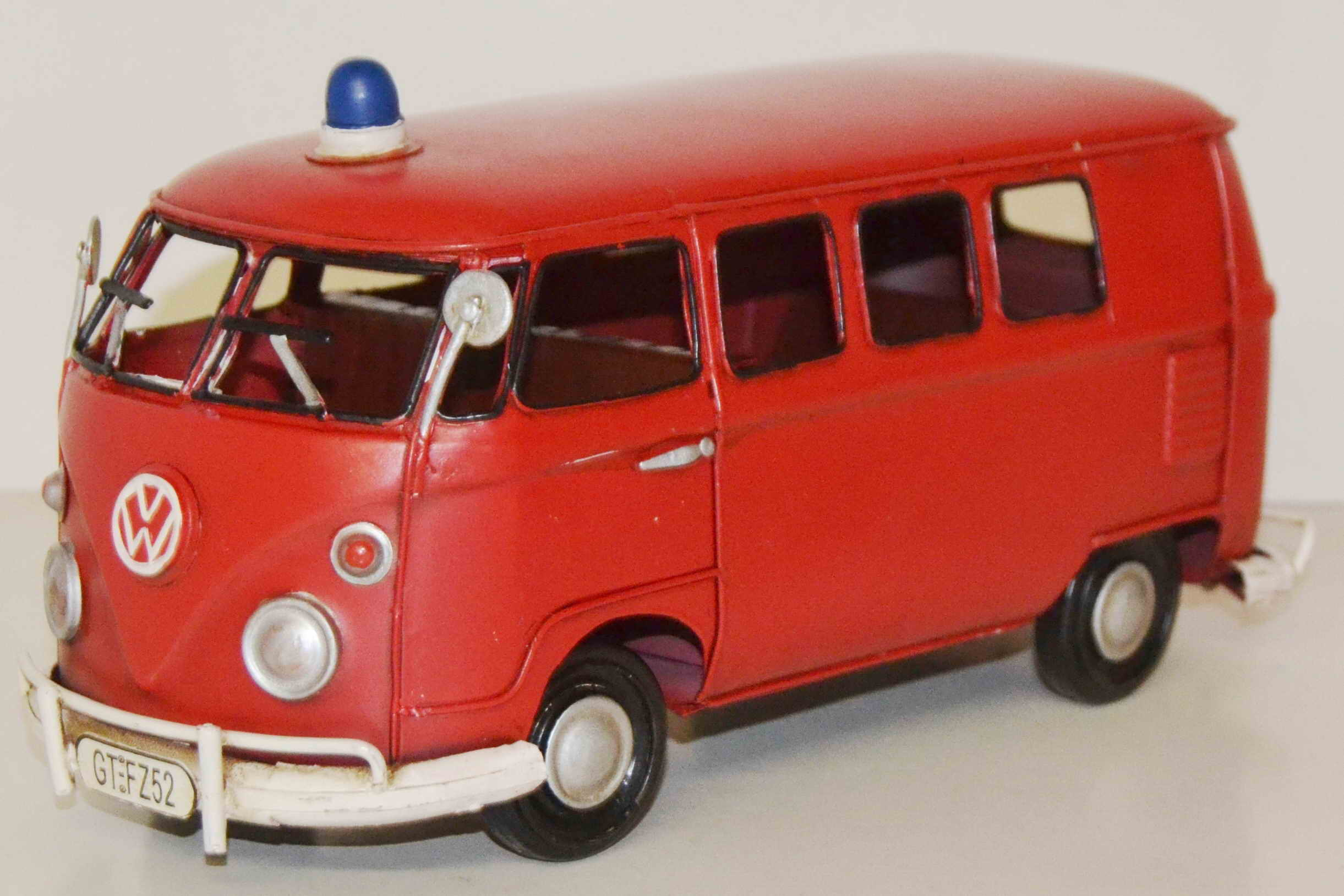 blechmodell vw bus bulli feuerwehr autos deko. Black Bedroom Furniture Sets. Home Design Ideas
