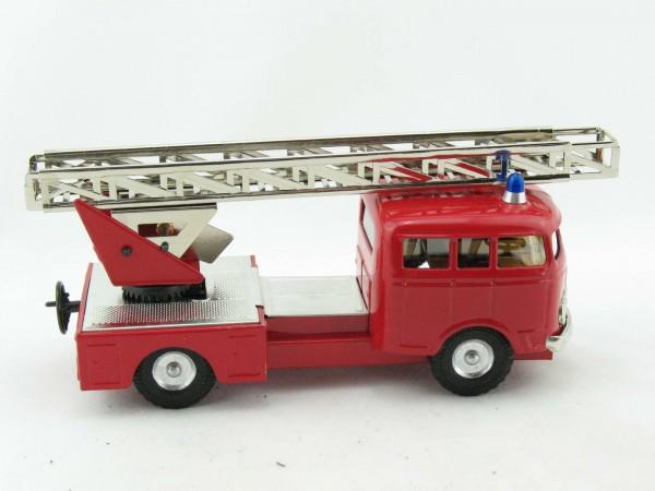 Mercedes MB335 LKW Feuerwehr-Leiterwagen von KOVAP - Blechspielzeug